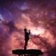 Blogbeitrag zum Thema Vergebung - betender Mensch, der ins Universum schaut